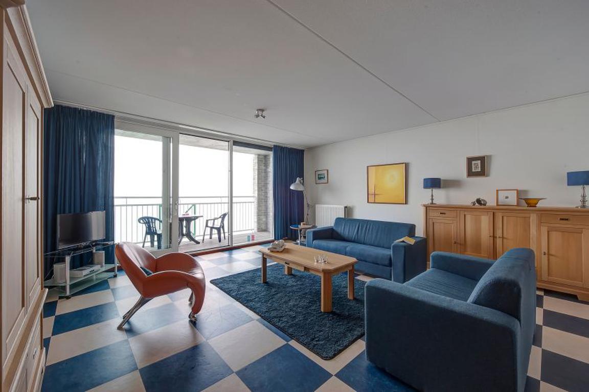 """Ferienappartements """"Port Scaldis"""" Breskens: Wohnzimmer mit Ausblick über das Wasser"""