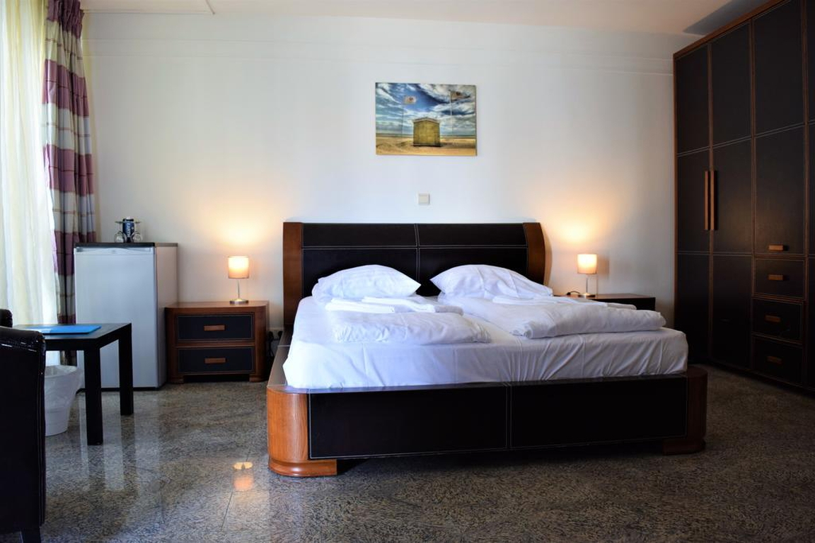 "Hotel ""de Stadsherberg"" Nieuwvliet: Vierbettzimmer"
