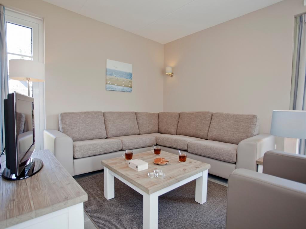 """6-Personen """"Obstgarten""""-Ferienhaus 6EL - """"Strand-Resort Nieuwvliet-Bad"""""""
