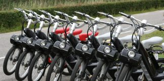 "E-Solex bei ""Rent & Joy"" in Nieuwvliet-Bad"
